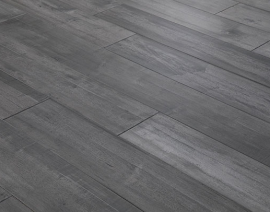 Neutral Gray Maple Engineered Hardwood Floors Boards Are Available In 7 1 2 Widths And Professionally Finished To Give Each Floor A Modern